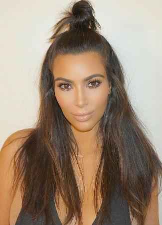 half-up-bun-peinadogym-kimkardashian-