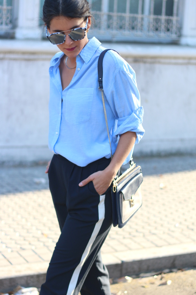 Cómo llevas la tendencia del pantalón con línea lateral  - Bulevar Sur 978dd81bb0b5