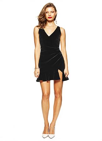 Vestido negro corto de Lola Li