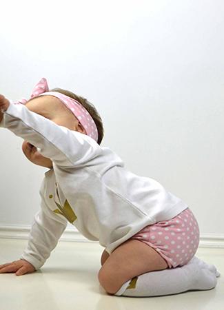 Conjunto bebé de topos rosas de Omho Kids