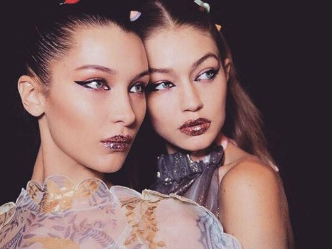 Gigi y Bella Hadid en el desfile de Fendi. Foto: Instagram