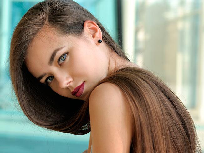 Como alisar el cabello rizado sin calor