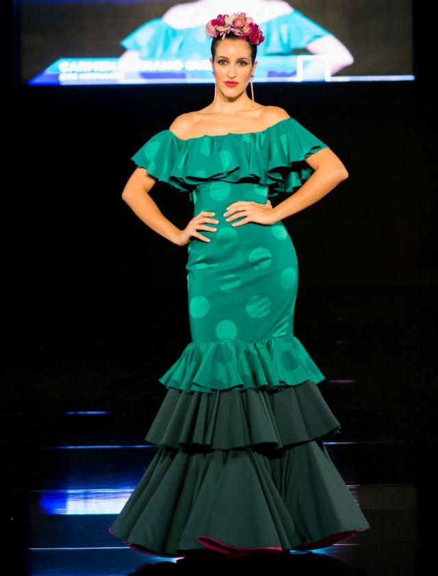 Participante del concurso de diseñadores de moda flamenca de la provincia de Sevilla