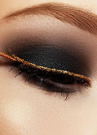 eyeliner metalizado dorado