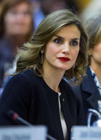 Doña Letizia con cabello suelto natural. Foto EFE
