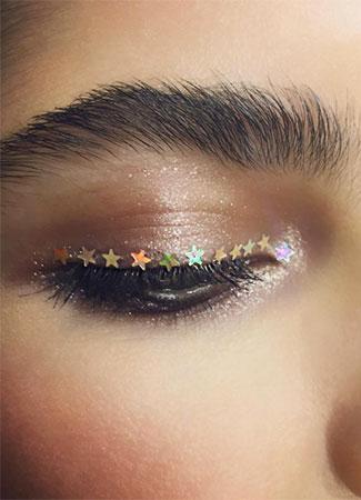 maquillaje con estrellas de navidad