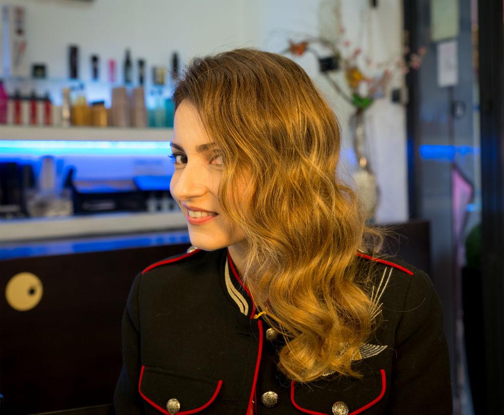 Propuesta de peinado navideño de Manu Luna con la instablogger María José Gordillo., Foto: Laura Álvarez
