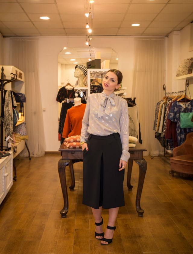 María José Gordillo con look pensado para la Navidad de la tienda Isadora. Foto: Laura Álvarez