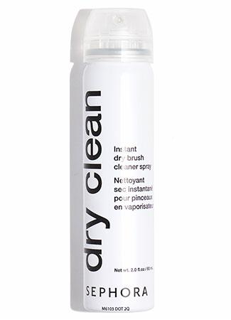 Dispositivos para limpiar brochas de maquillaje: spray limpiador en seco
