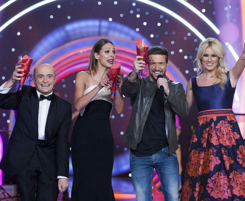 Eva González viste de Antonio García para presentar la gala de ...
