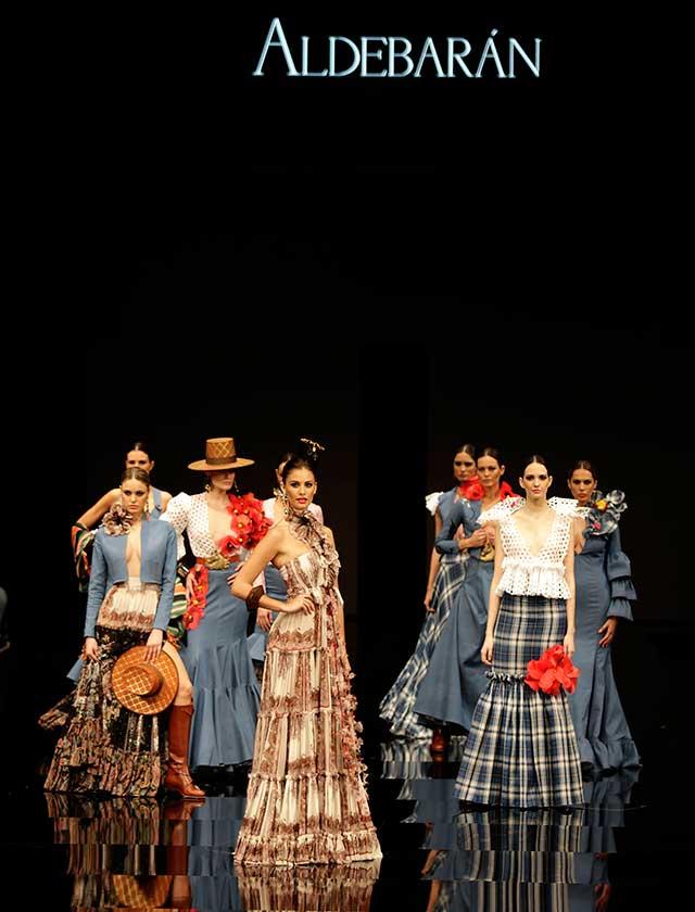 La firma ha presentado con «Aldebarán 17» una colección inspirada en un estilo muy particular en el que se mezcla el vaquero, folk y hippie. (J.M. Serrano / Vanessa Gómez)