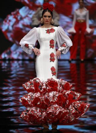 8d1a9c4315283 Estas son las tendencias de moda flamenca 2017 - Bulevar Sur