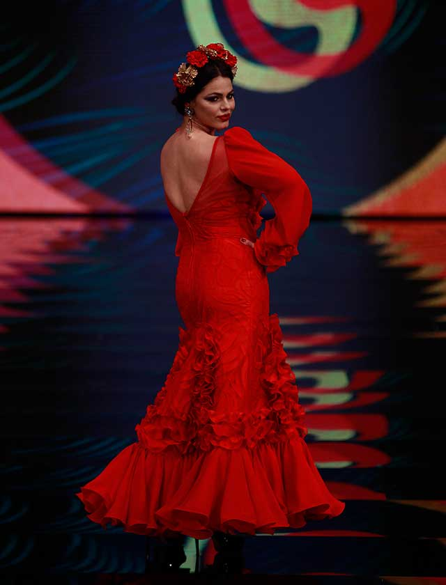 Marisa Jara desfiló para el primer desfile de moda flamenca curvy con la firma Sonibel en SIMOF 2017. Foto: Rocío Ruz / Raúl Doblado