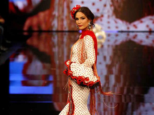 Errores que no debes cometer cuando te vistes de flamenca