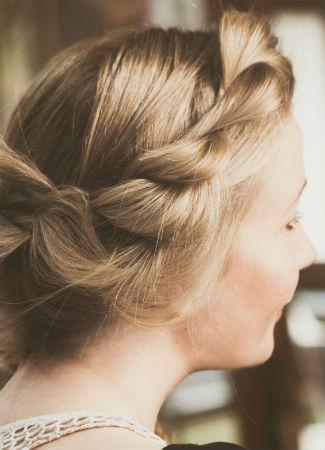 Peinado tipo corona trenzada para novia
