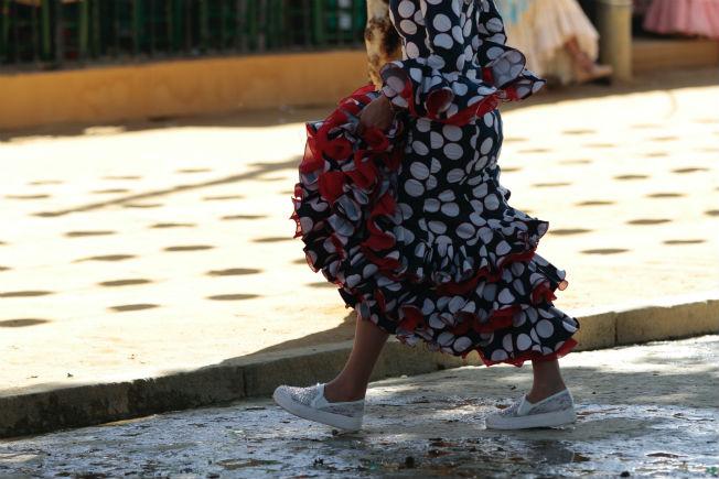 da0c171d Aunque creas que no se ve, también tienes que tener cuidad a la hora de  calzarte. Bailarás y te moverás y los zapatos se te verán aunque lleves el  traje de ...