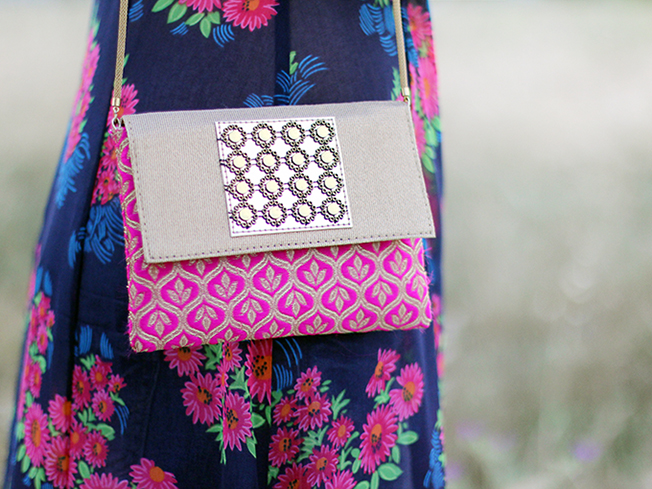 Batín de flores con transparencias de moda del blog Con paso chic