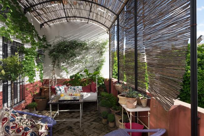 Elementos Indispensables Para Decorar Una Terraza En Sevilla