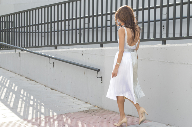 falda-plisada-hanging-in-my-closet-4