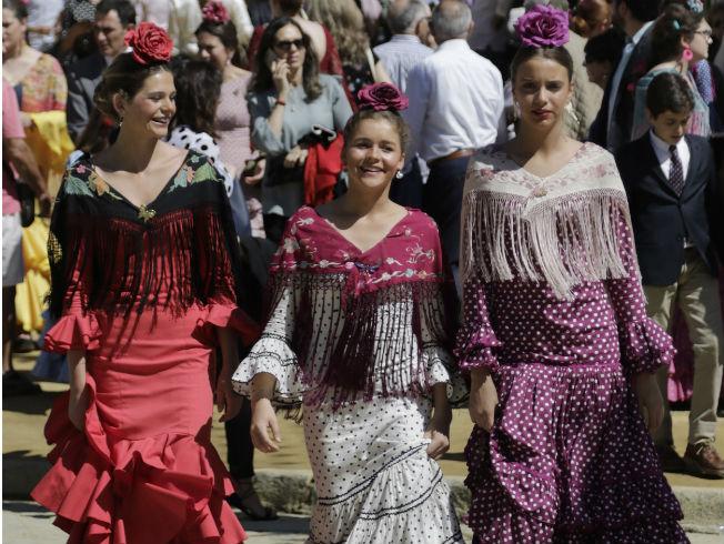 Consejos para lavar y guardar el traje de flamenca