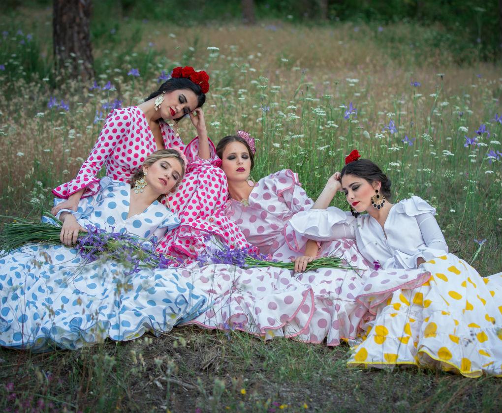 Diseños de moda flamenca para el Rocío de Manuel Zerpa