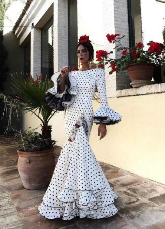 Traje flamenca negro lunares blancos