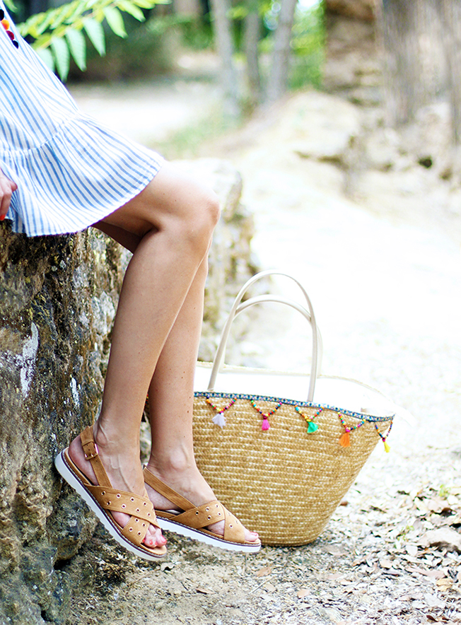 Tendencia de los pompones con la blogger Con Paso Chic