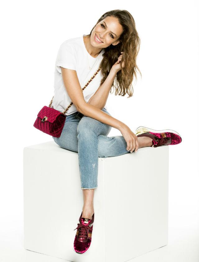 Eva González es la imagen de calzado y bolsos de la firma Mariamare para otoño-invierno 2017-2018