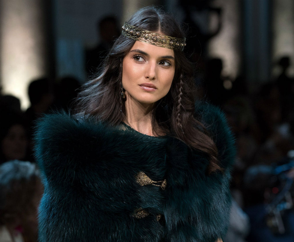 Look de maquillaje y peluquería del desfile de Elie Saab Alta Costura 2017-2018. Foto: EFE