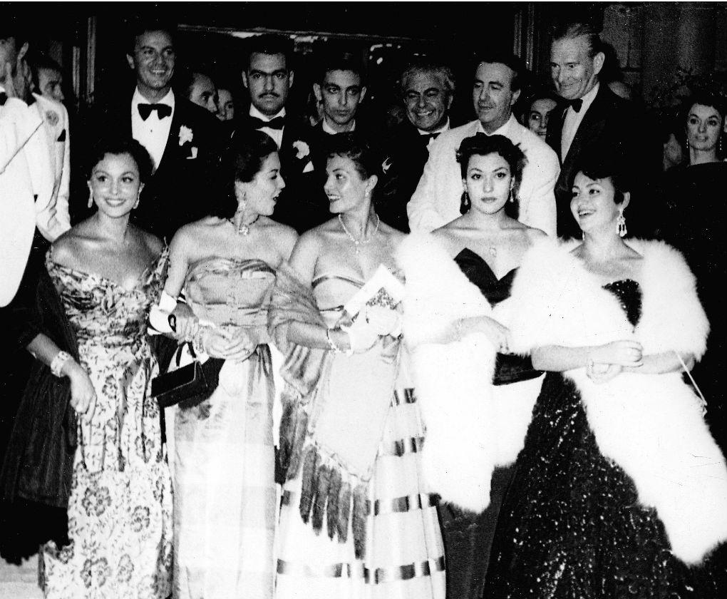La primera de la izquierda es Paquita Rico, presente en el primer Festival de Cine de San Sebastián en 1953