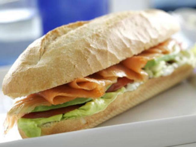 bocadillo-salmon-aguacate-p