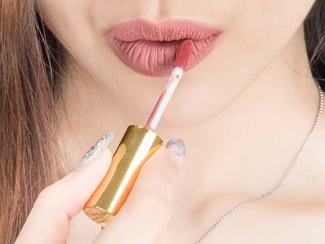 10 pintalabios gloss mate para una boca de terciopelo