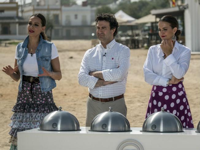 Eva González viste de rociera en Masterchef Celebrity 2