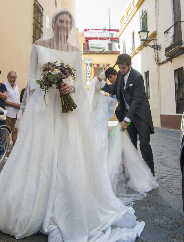 roberto diz diseñó los vestidos de la boda de sibi montes - bulevar sur
