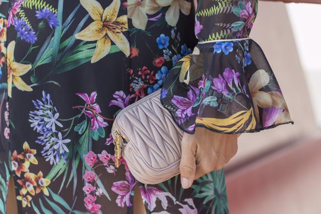 vestido-flores-hanging3