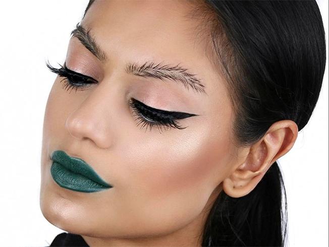 Las cejas pluma y otras tendencias de cejas para looks audaces