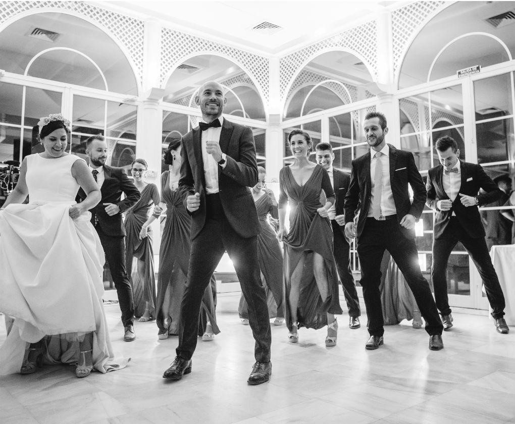 eb2dd690a8d88 Tradiciones de siempre y nuevas que siguen los novios en sus bodas ...