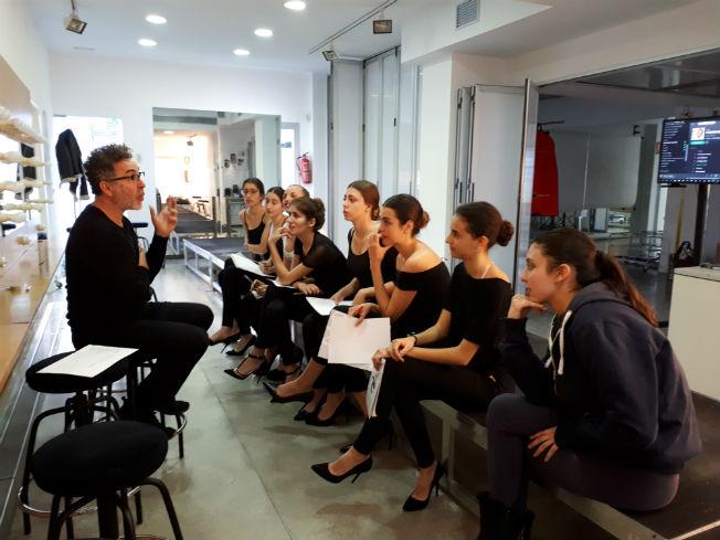 Clase para modelos de moda flamenca en Doble Erre