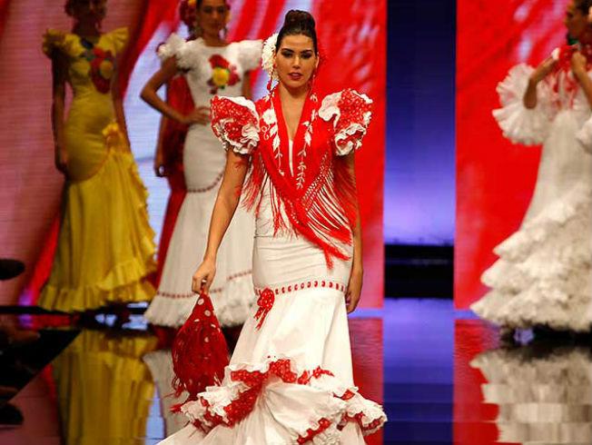 37144b940a Así funciona el alquiler de trajes de flamenca - Bulevar Sur
