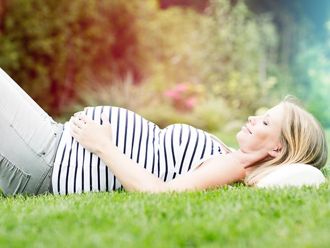 Diez mitos de la maternidad que siguen escuchando las madres