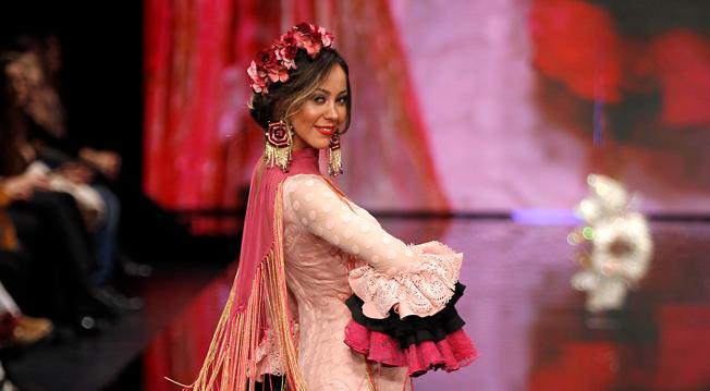 SIMOF 2018: tendencias para poner las flores de flamenca guirnaldas
