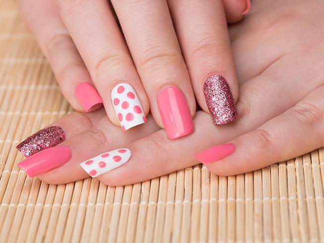 «Accent nails»: la manicura bitono que puedes hacerte tú misma