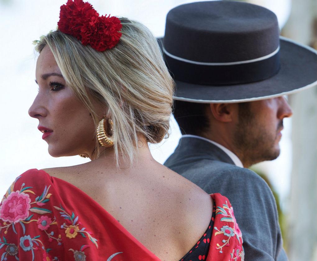 Flamencas por el Real de la Feria de Abril de 2018. Foto: EFE