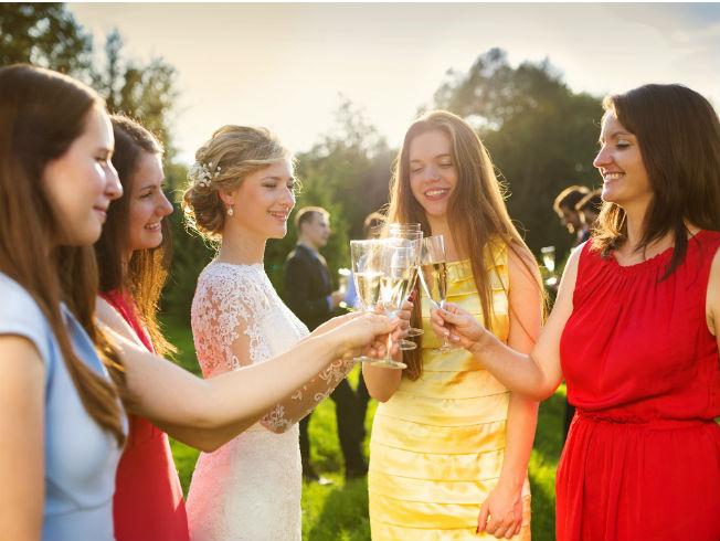 Errores que cometen las invitadas a una boda en sus looks
