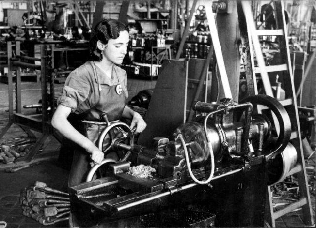mujer-fabrica-alberoysegovia