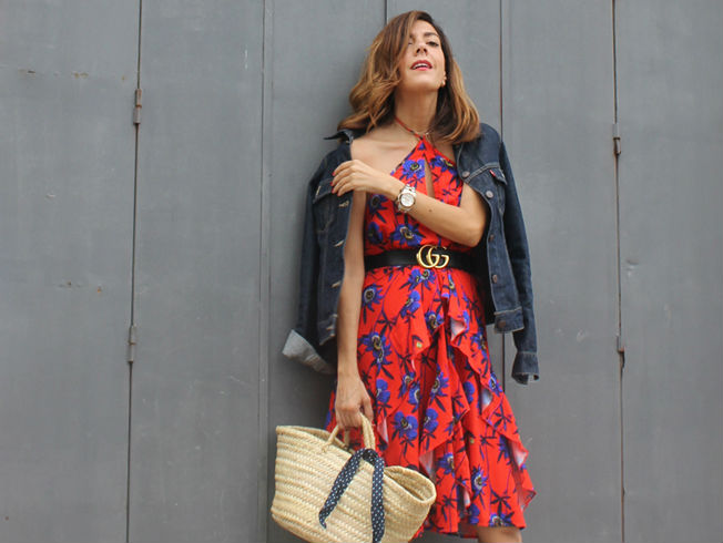 Vestido de flores de Hanging in my closet