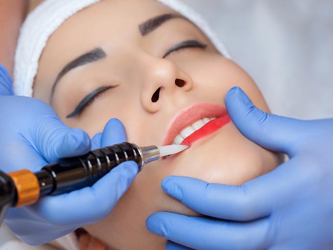 «Microblading» de labios: maquillaje semipermanente de labios