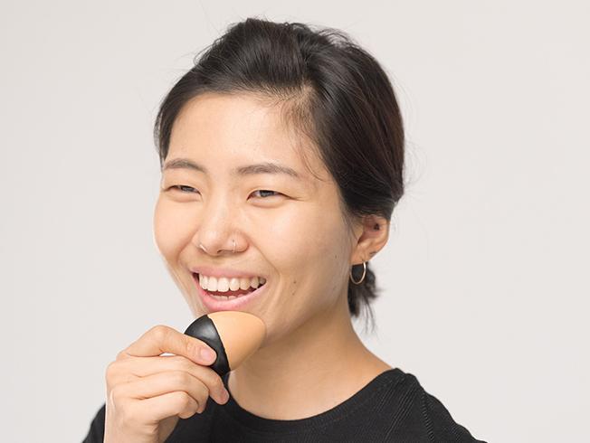 La reinvención de las bases de maquillaje sólidas