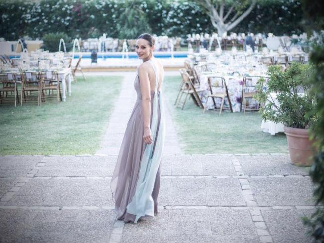 3e39f755b4 Recomendamos. Eva González deslumbra vestida por Antonio García en la boda  ...