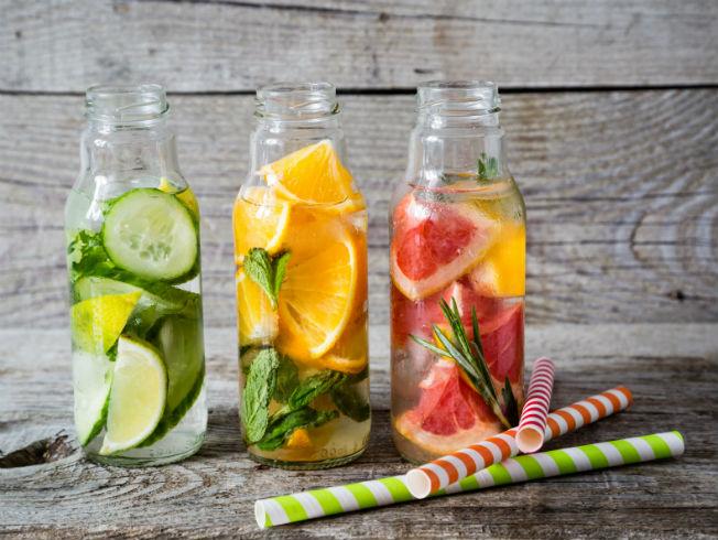 Como preparar agua de pepino y limon para adelgazar